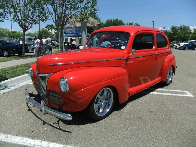 Leonard & Lynn Kunce's 1941 Ford 2 Door Sedan